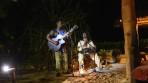 riktiga flumgubbar, dom sjöng om fjärilar och spelade trummor på en utegrill...