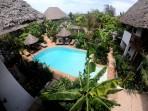 utsikt över våran lilla pool...