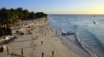 detta är turisternas strand...