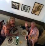hejhej, nu sitter vi på Restaurang Zorba...