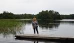 Carina poserar vid Linnerydssjön...