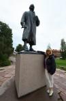 Carina vid Zorn statyn...