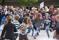 Dansmanifestation på Hammartorget i Hallstahammar