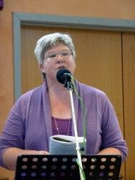 Berit Carlström medverkade med sång på lördagsförmiddagen.