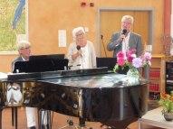 Söndag förmiddag var det gudstjänst då Liselotte predikade och vi firade nattvard. Christer Ramefelt, Ingrid och Jan Gunnargård. medverkade med sång