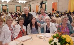 Erasmia Grim tillsammans med några deltagare från Norden