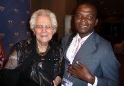 Erasmia Grim tillsammans med en av de afrikanska deltagarna