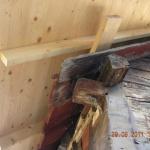 Ny takkonstruktion byggdes fel och byggdes på rötskadat bärande timmer upptäcktes vid BOE:s besiktning under pågående rotarbete