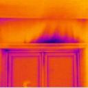 Värmekameran visar termogrambild dolda byggfel och mögelrisk med köldbryggor och inluftläckage till innemiljön