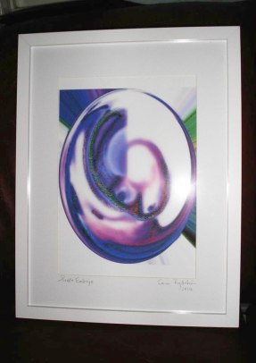 Embryo blå - inramad med glas, vit ram