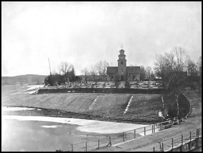 Töcksmarks kyrka och gamla landsvägen.