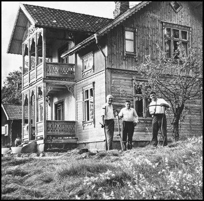 Båtklubben Rävarnas klubbstuga görs iordning inför Stora-Lee Foxen loppet 1968.
