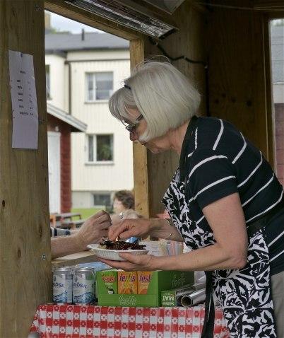 6 juli 2012 - Töcksfors IF sålde bland annat nävgröt med fläsk