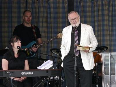 8 juli 2012 - Ekumenisk gudstjänst på torget / Pingstförsamlingen, Pastor Roland Moberg