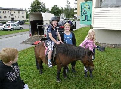 8 juli 2012 - Ponnyridning, Mosserud Ryttarförening www.mosserud.se