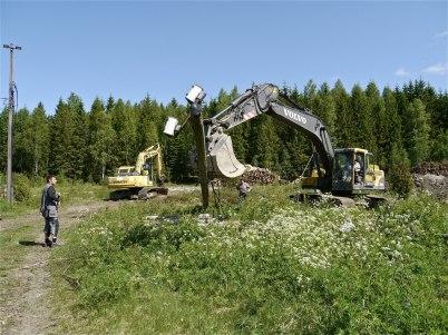 29 maj 2012 - belysningsstolparna på skidstadion togs bort.