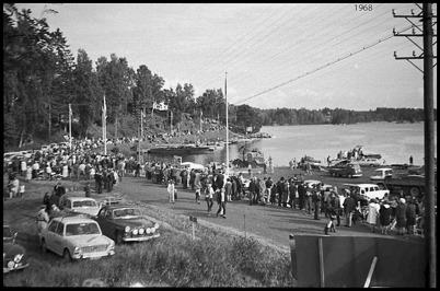 Båttävlingen drog stor publik till Sandviken.