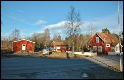 9 januari 2005 Hemvärnsgården och slussvaktarstugan.