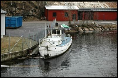 8 februari 2005 Båten MS Erik vid brukskajen.