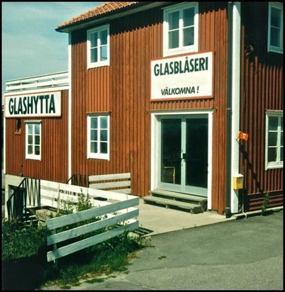 Under en tid fanns det ett Glasblåseri i gamla Snickarverkstan.