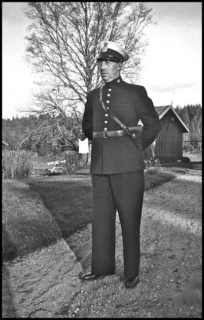 Töcksfors polisman John Brander på 1930-talet.