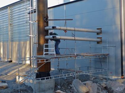 28 november 2013 - värmepannorna ansluts till skorstenen.