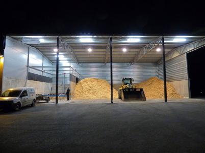 4 december 2013 - lagerutrymmet för träflis som snart kommer att fyllas helt.