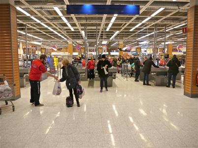 21 mars 2013 - Handlande kunder fick en varupåse i gåva.