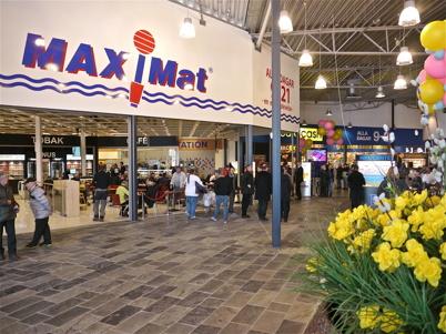 21 mars 2013 - Maxi Mat i ny och större lokal.