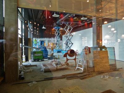 11 januari 2013 - det här blir Burger Kings nya restaurang, vid västra fasaden.