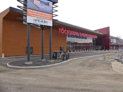 4 mars 2013 - Fasaden är klar och Burger King kan öppna drive in försäljningen.