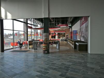5 mars 2013 - Burger King har öppnat nya restaurangen.
