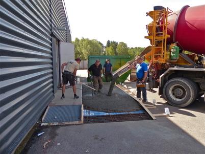 9 augusti 2013 - det krävs lite större lastbrygga för den nya butiken.