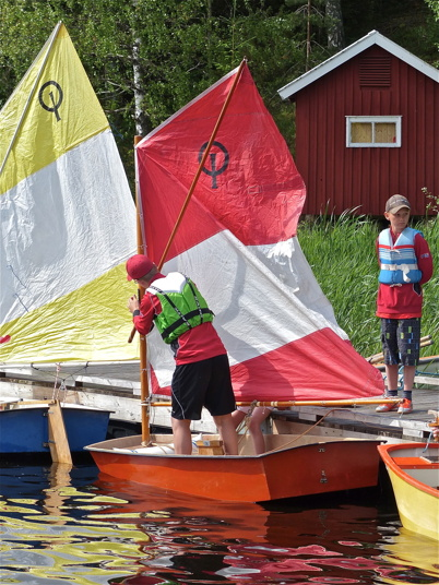 Riggning och sätta segel.