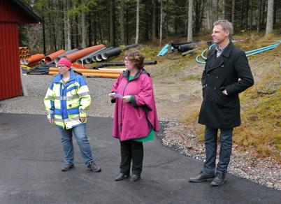 Kommunalrådet Katarina Johannesson invigde nya reningsverket tillsammans med VA-/Renhållningschefen Cathrin Sköld och Samhällsbyggnadschefen Peter Månsson.