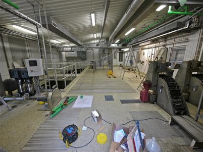Den äldre delen av reningsverket förbereds för sammankoppling med nya delen.