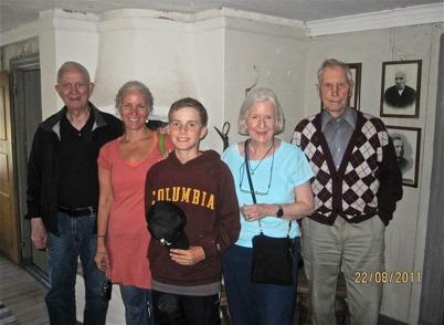 Den 22 augusti 2011 besökte Dick, Laurie,  Lisa och Jamie samt Rune Nilsson i Skarbol, Töcksmarks kyrka och Nordmarksstugan.  Runar Patriksson guidade.  Dick Gustafson och Rune Nilsson är fyrmänningar.