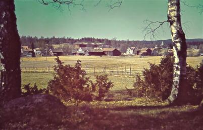 33. Utsikt från Dungen mot centrala Töcksfors på 1940-talet. Foto : Hugo Hassel