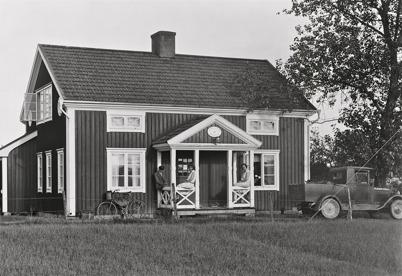 45. Töcksfors manuella telefonstation på nuvarande Torudsvägen. Foto : Axel Gunnar Ödvall / Årjängs kommuns bildbank