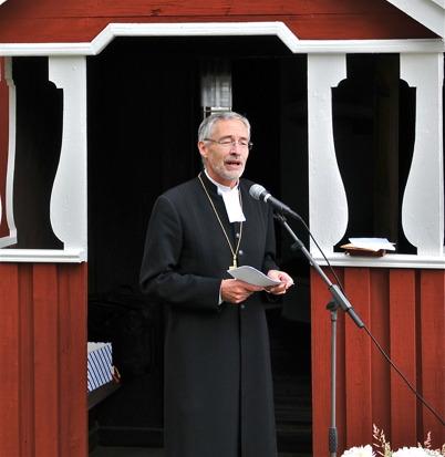 Biskop Esbjörn Hagberg predikar.