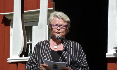 Landshövding Eva Eriksson håller högtidstalet.