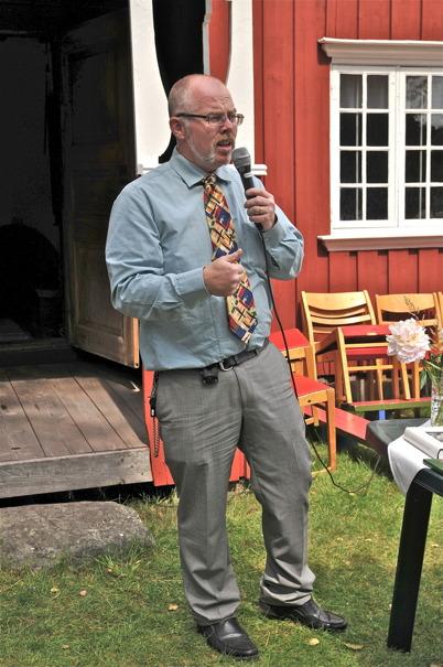 Sven Östlind är Karl A. Östlinds barnbarn. Karl A. Östlind - Gunnar Östlind - Olle Östlind - Sven Östlind.