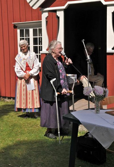 Alice Olsson och Kajsa Augustsson från Östervallskogs församling.