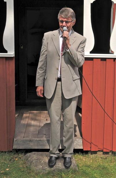 Tidigare riksdagsmannen och tidigare kommunalrådet m. m. Kjell Eriksson talar.