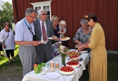 Bygdeskrivaren Gösta Olofsson och Lennart Berglund.