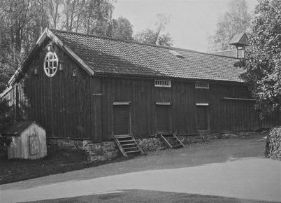 Magasinsbyggnaden vid Töcksfors herrgård 1923.