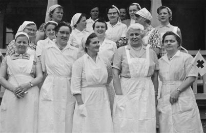 48. Examen för hemsamariterna 1957. Foto : Folke Sahlin