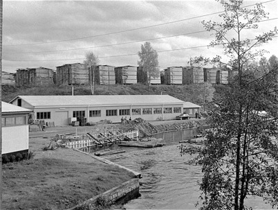 65. Fabrikslokalen vid Bruket där Töcksfors Verkstads AB ( TVAB ) startade. Foto : Fritz Arenö / Årjängs kommuns bildbank