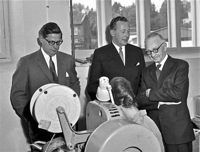66. Studiebesök vid Töcksfors Verkstads AB i fabriken vid Bruket på 1960- talet. Foto : Fritz Arenö / Årjängs kommuns bildbank