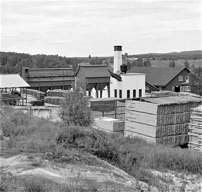 68. Sågen var största arbetsplatsen i Töcksfors på 1950- och 1960-talet. Foto : Fritz Arenö / Årjängs kommuns bildbank